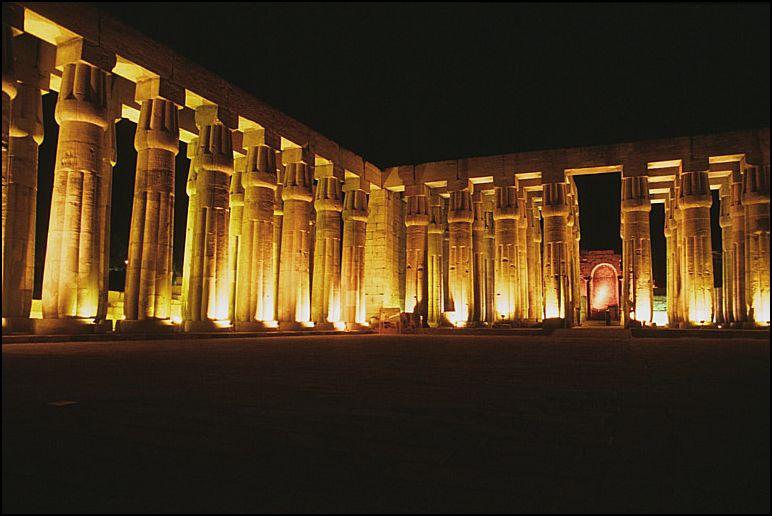 أهمية السياحة في مصر