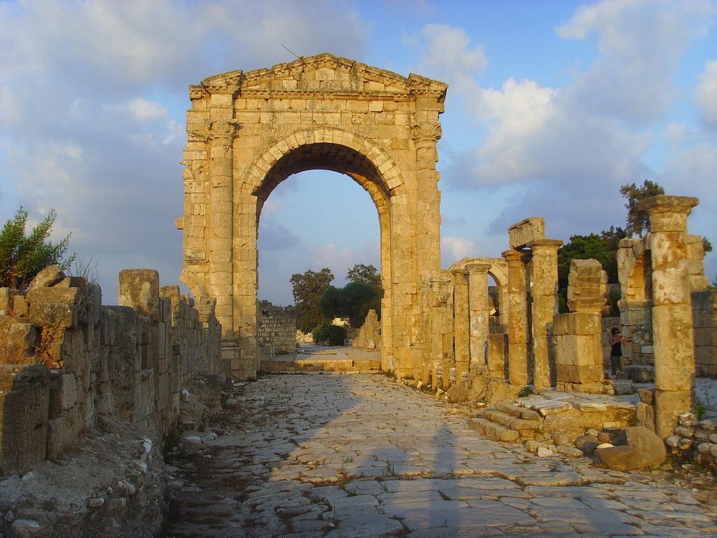موقع آل باس الأثري