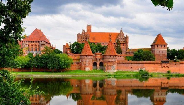 Photo of السياحة في بولندا وأهم الأماكن السياحية