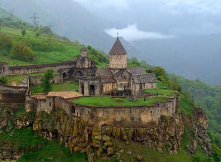 Photo of السياحة في غوريس أرمينيا وأهم الأماكن السياحية
