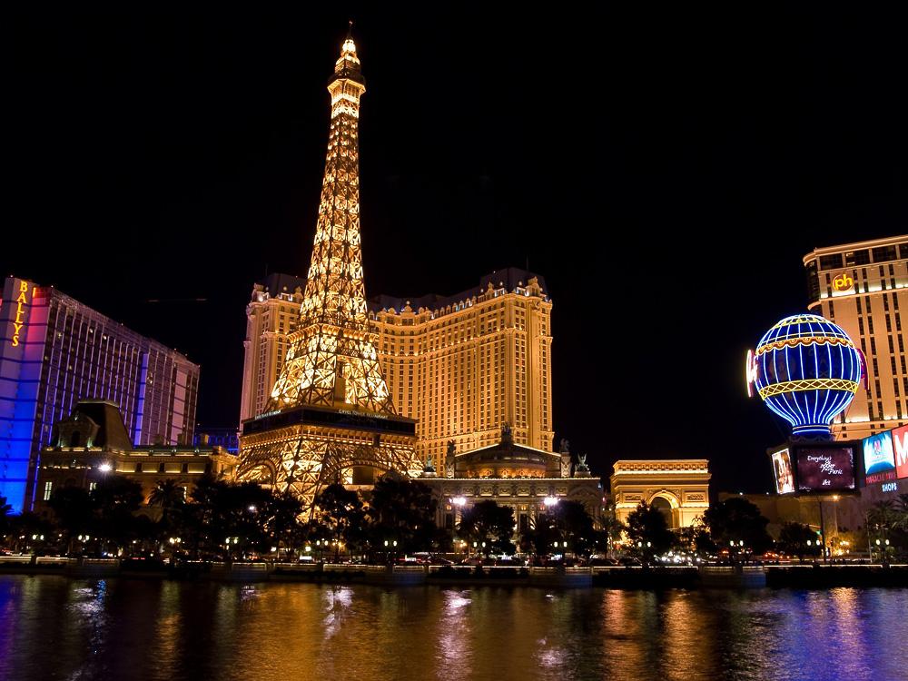 Photo of معلومات عن برج ايفل l اشياء يجب فعلها عند زيارة برج ايفل في باريس فرنسا