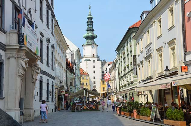 Photo of السياحة والهجرة الي سلوفاكيا وكيفية الحصول على ترخيص إقامة