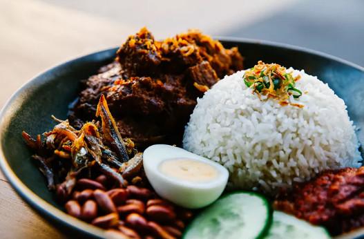Photo of الأكلات المشهورة في ماليزيا وأشهر مهارات المطبخ الماليزي