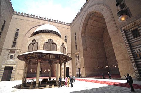 Photo of مسجد السلطان حسن وأهم الأنشطة السياحية به