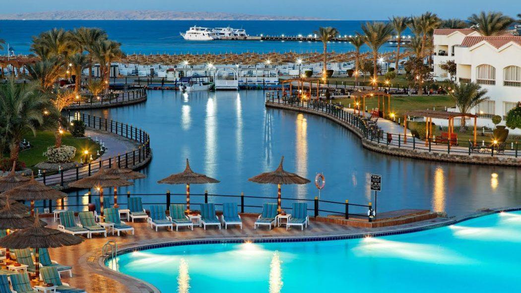 Photo of فنادق الغردقة l تعرف على أفضل الأماكن السياحية والمنتجعات في مدينة فيروز الشطآن
