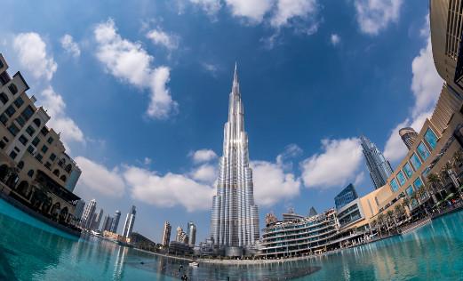 برج خليفة في دبي من الداخل الطابق الاخير سفر