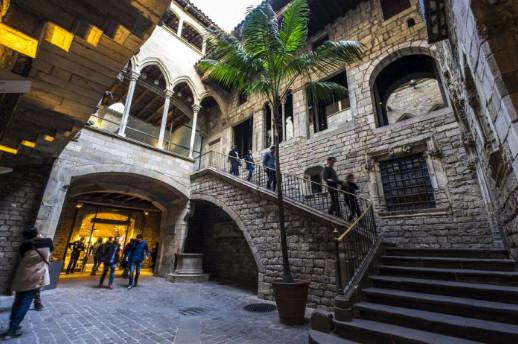 جولة في متحف بيكاسو برشلونة بالصور